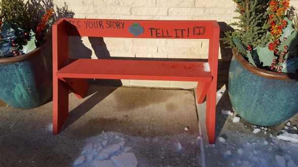 Storytelling Bench in Lanesboro, Minnesota, by Be Here Main Street (Own work) [CC BY-SA 4.0 (http://creativecommons.org/licenses/by-sa/4.0)], via Wikimedia Commons